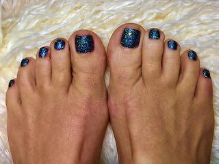 blue-sparkle-pedicure