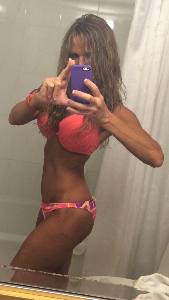 brunette-swimwear-bikini-tan-competition