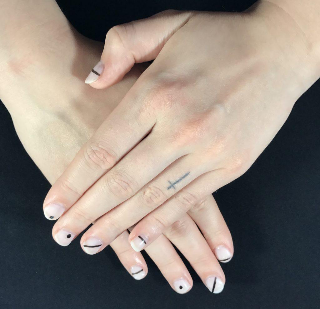 mimimalist-nail-art