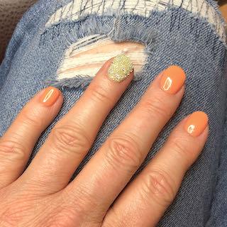 peach-sparkle-mixed-nailart