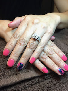 pink-blue-iridescent-manicure