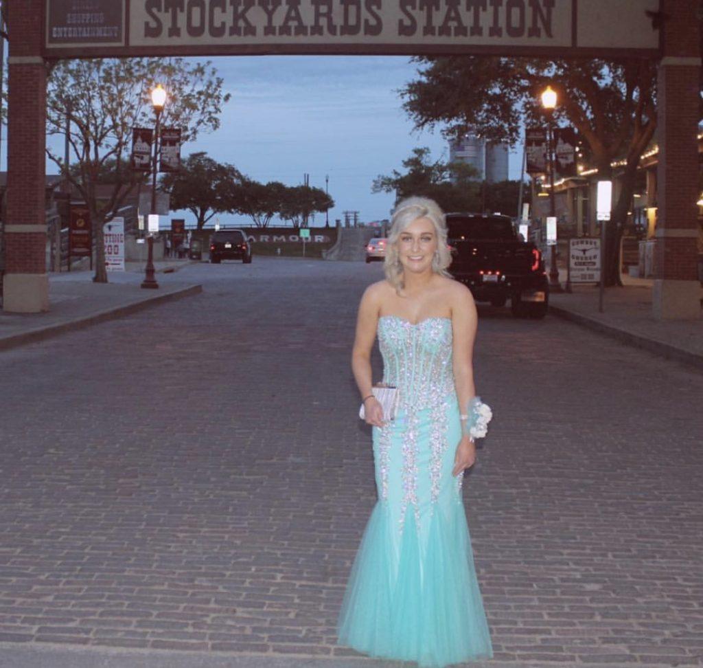 prom-bluedress-blue-fancy-formal-tan