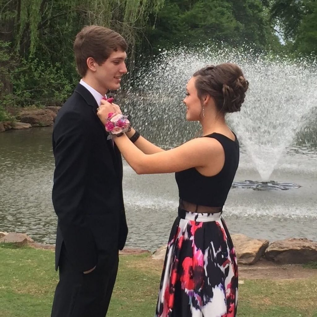 prom-corsage-couple-tan-fancy