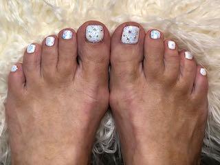 sparkle-white-pedicure