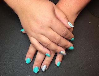 turquoise-iridescent-manicure