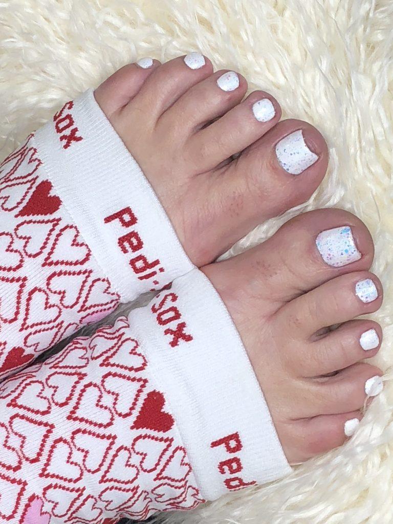 white-granite-sparkle-pedicure